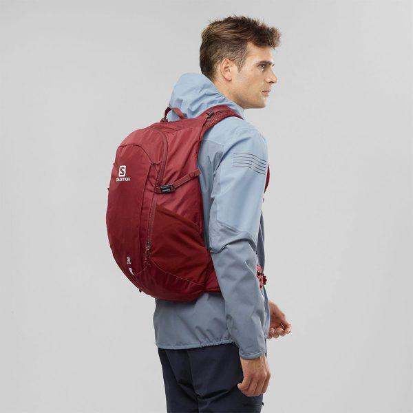 Nahrbtnik-Salomon-Trailblazer-30-Red1