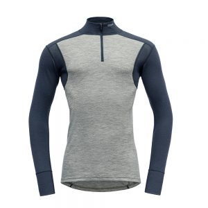 Puli-Devold-Hiking-Man-Half-Zip-Neck-Grey-Night